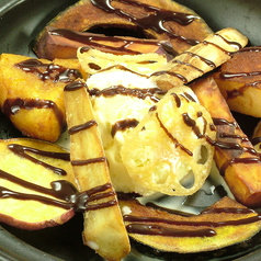 タジン鍋で根菜スイーツ/タジン鍋で焼きりんご(キャラメルソース味)