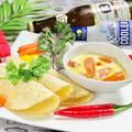 料理メニュー写真チキンと旬野菜のケソ・フォンディード(メキシコ風チーズフォンデュ)