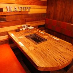 カフェのようなお洒落な店内!!4名様用のテーブル席です。