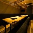 テーブルタイプの個室席。扉のついた完全個室は周りを気にせずご利用可能です。(※個室利用時は別途お1人様500円を頂戴します。)