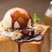 料理メニュー写真ハニトープディングホットキャラメルソース