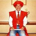 木曽路では3色のちゃんちゃんこ・頭巾・座布団をご用意しております。お祝いのお席で記念撮影をし、写真をプレゼントいたします。◆赤色:還暦  ◆黄色:米寿  ◆紫色:古稀、喜寿、傘寿◆白色:白寿(数に限りがありますのでご希望の際は、御予約の際にお申し付けください。)