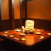 仲間と卓を囲める個室