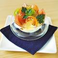 料理メニュー写真三種トマトと泡チーズのカプレーゼ