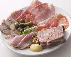 料理メニュー写真イタリアのアフェッタートの盛り合わせ