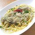 料理メニュー写真牡蠣のペペロンチーノ 北海道産トロロ昆布のせ