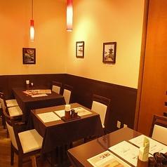 お二人席はコチラ!お2人から利用可能な、おいしい洋食料理と岡山グルメをたっぷりとお召し上がり頂けるコースも豊富にございます。アットホームで明るい雰囲気の店内でゆったりとしたお食事をお楽しみくださいませ★