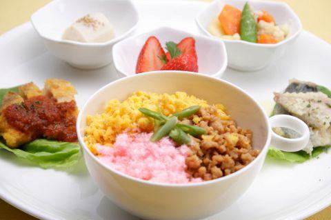 季節野菜と旬の食材を使ったお料理でお待ちしております。