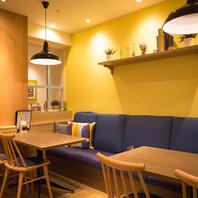 おしゃれなカフェ空間でゆったりとお食事♪