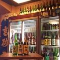 お店に入って左手を見ると圧巻!!全国の日本酒がずら~っと!!さすがの100種類以上!!