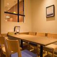 6名様用のテーブル席は女子会やグループでのご利用にオススメです!栄養も食べ応えもある欲張りサラダや、絶品デザートメニューなどで女子会も盛り上ります♪ぜひゆったりとお寛ぎください。