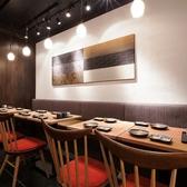 【1F】テーブル席は人数に合わせてアレンジ可能!サクッと使いやすいのも魅力のひとつ★