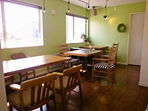 パティシエが心込めて作るスウィーツを楽しめる、赤ちゃんや子供連れに優しいカフェ。