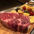 塊肉ステーキをそのまま焼き上げる豪快なコースや、飲み放題付きコースを多数ご用意しております!!