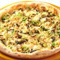 料理メニュー写真さけと高菜の和風ピザ