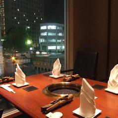 夜景がきれいなテーブル個室。接待にも人気