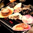 【ハイカラ横丁人気メニュー1新鮮魚貝浜焼き】氷見・能登直送の新鮮魚貝の浜焼き。焼いて、見て、食べて三段階楽しめます♪