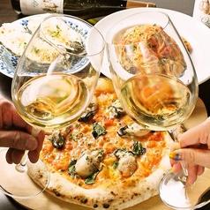 ピザとワインでカウンターでサク飲みも◎