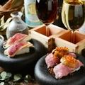 料理メニュー写真雲丹といくらの肉寿司(2貫)