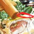 【鯛の塩釜焼き(2名様~)】コース+500円で追加オプション…パカーンと叩けばお祝いの席にぴったり★塩で包んで焼き上げた鯛は、ふっくらジューシーな味わいでおすすめ!