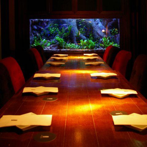 5名様~最大20名様テーブル席。お得な飲み放題付コースは4500円~ご用意♪