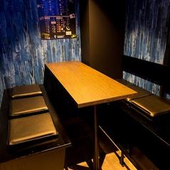 テーブル席は離したり、くっつけたりと随時変更可能です!