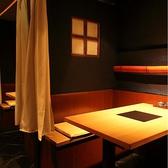 癒しと寛ぎの空間個室控えめな照明、大人が満足して寛げる癒しの半個室です。
