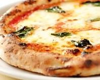 モチっと軽い食感!ピッツァの王道『マルゲリータ』