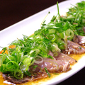 料理メニュー写真カツオの香草カルパッチョ