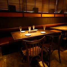 2名様~最大40名様までご案内可能なオープンフロア席!飲み会や女子会など様々なシーンでご利用いただけます。(系列店の画像です)
