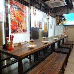 琉球海鮮キッチン 東屋慶名 ひがしやけな 関内店の雰囲気1
