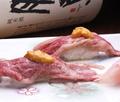 料理メニュー写真肉寿司(・和牛肉寿司の雲丹のせ ・和牛肉寿司 ~塩・わさび~)