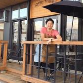 こだわりのオープンテラス席☆オーナー自らDIYをして手がけた自慢のスペシャル空間です!愛情たっぷり込めたテラス席はペット連れのお客様も大歓迎です。お天気の良い日に暖かな日差しを浴びながらのんびりとお過ごし頂けます♪