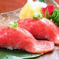 料理メニュー写真レアステーキ握り寿司風(霜降り)