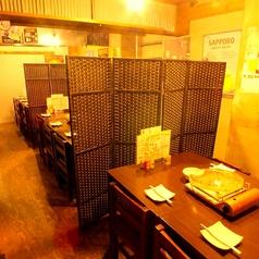 テーブル席は、2~4名/8名/12~20名まで人数に対応しています。