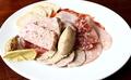 料理メニュー写真ヨーロッパのお肉屋さん風シャリュキュトリー盛り合わせ