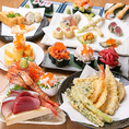 その日仕入れた海鮮・野菜を使用した天ぷらや海鮮料理などの他にも、居酒屋ならではの一品料理や海鮮料理などもご提供しております。