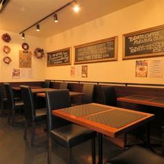 カウンター席は3席ございます!おひとり様でのご夕食やデートにも◎美味しいお酒とお料理で楽しい時間をお過ごし下さい…♪