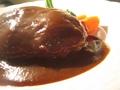 料理メニュー写真ハンバーグ デミグラスソース