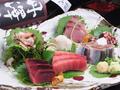 料理メニュー写真旬な魚のお造りの盛り合わせ