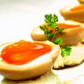 料理メニュー写真半熟煮玉子と自家製ポテトサラダ