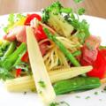 料理メニュー写真鎌倉野菜とベーコンのパスタ