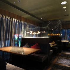 Oyster bar&Steak house TOMMY CLUBの雰囲気1