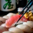 ネタも毎日変わります!15年握っている店長の寿司を見た他のテーブルのお客様は次々と注文してしまうほどの旨さ爆発の見栄えです!