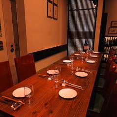 テーブルを繋げてのパーティー利用も大歓迎です!ご予約はお早めにお願いいたします。
