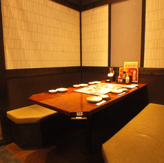 半個室のテーブルのお席です。友人との飲み会や、同僚との飲み会にぴったり♪はなの屋 エルミこうのす店