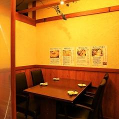ご年配のお客様にも大人気!博多駅すぐ近くの当店「博多 寿司炉端 一承」は、掘りごたつのお座敷以外にも、テーブル席ご用意しております。広々としたテーブルで、厳選食材を使用した絶品海鮮料理や、美味しいお酒を併せてお楽しみ下さい。