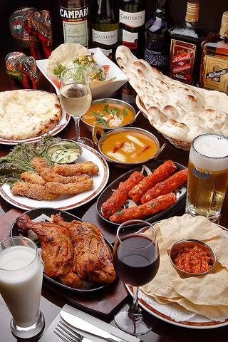 【天満橋駅すぐ】本格インド料理をゆったりと半個室風のソファ席でお楽しみ下さい。