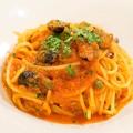 料理メニュー写真プッタネスカ(オリーヴとケッパーとアンチョビのトマトソース)