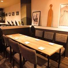 席タイプの違う6名様までOKのテーブル席になります。座り心地も良くゆっくりとお寛ぎ頂けます。